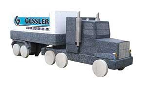 Steinmetzwerkstätte Stein Truck