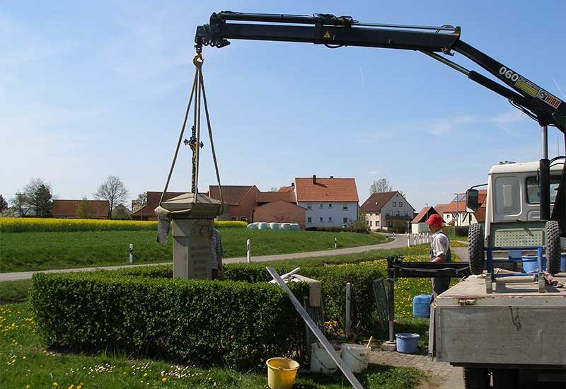 Denkmalpflege Herrieden, Denkmalpflege Bechhofen, Steinmetzwerkstätte Gessler, Aufstellung Denkmal