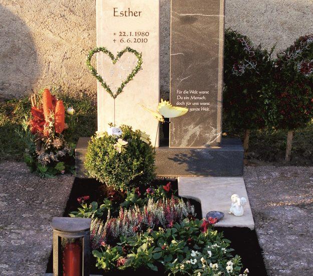 Friedhof Herrieden, Friedhof Bechhofen, Grabmal, Großenried Orient Beige Virginia Black