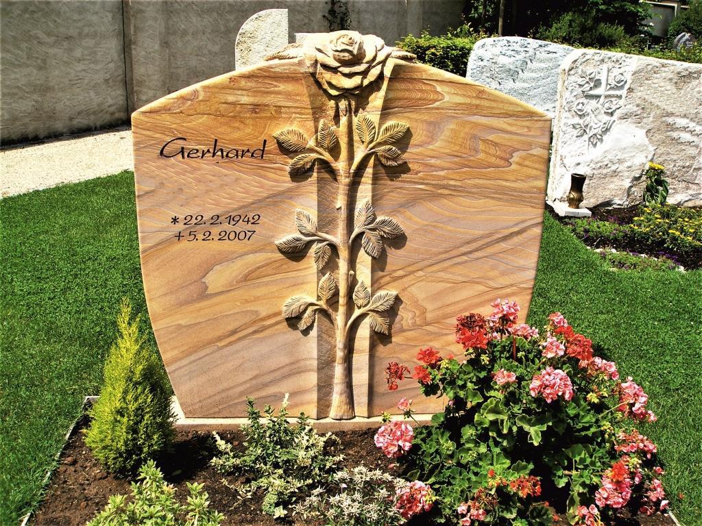 Friedhof Herrieden, Friedhof Bechhofen, Grabstein Rose, Steinwerkstätte Gessler