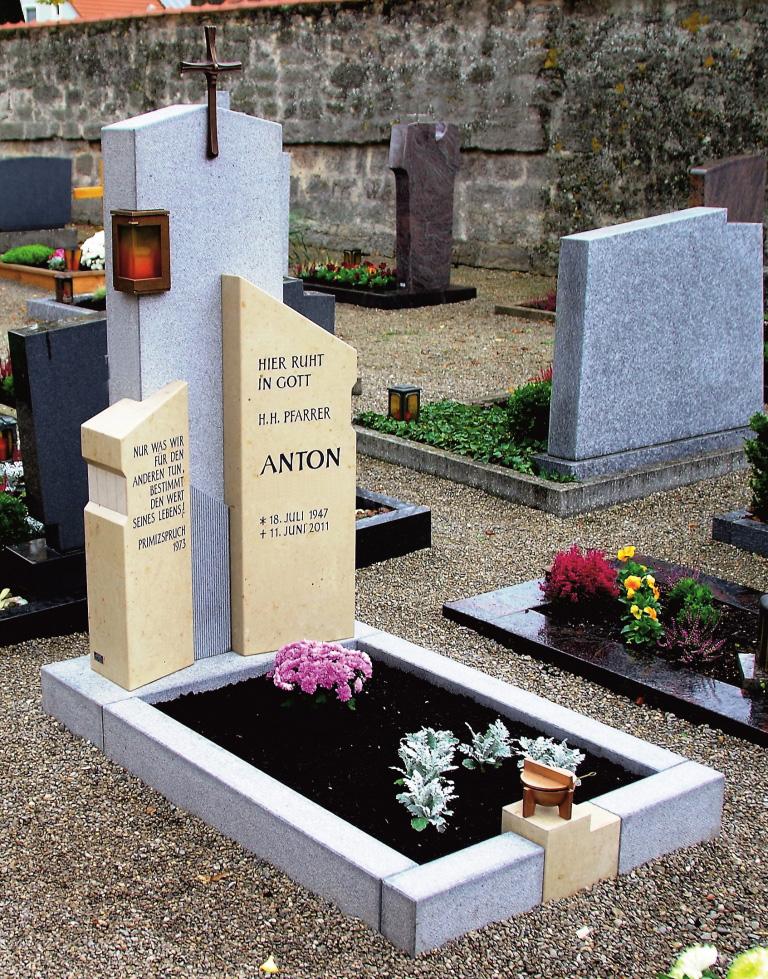 Friedhof Herrieden, Friedhof Bechhofen, Grabmal, Jura Neunstetten, Steinwerkstätte Gessler