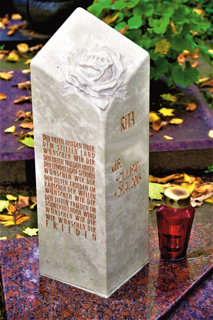 Friedhof Herrieden, Friedhof Bechhofen, Grabmal, Urnengrabmal Rose, Steinwerkstätte Gessler